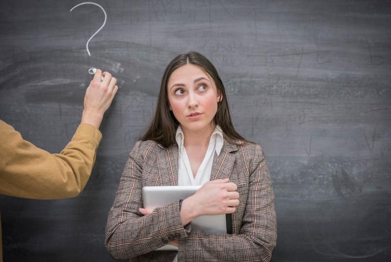 Wem darf, wem muss die Schule Auskünfte erteilen?